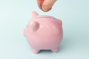 piggy bank helping with financial planning process