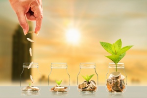 growing money from little jars for savings