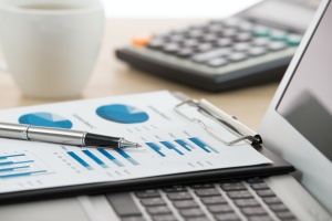 charts showing the numbers on how to choose a wealth manager
